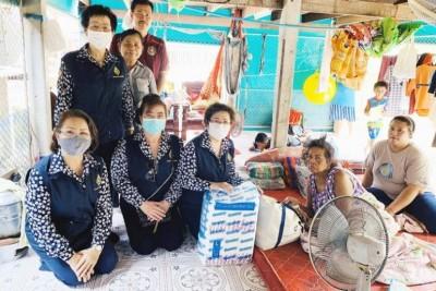 น้ำใจ!เหล่ากาชาดร่วมแม่บ้านมหาดไทย เยี่ยมผู้พิการยากไร้